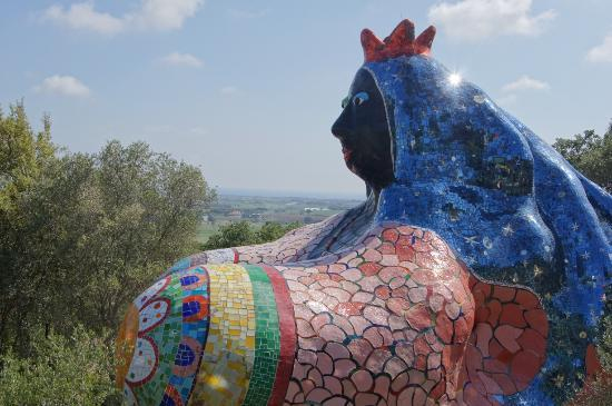 The Empress Where Niki De Saint Phalle Lived Picture Of Giardino Dei Tarocchi Pescia