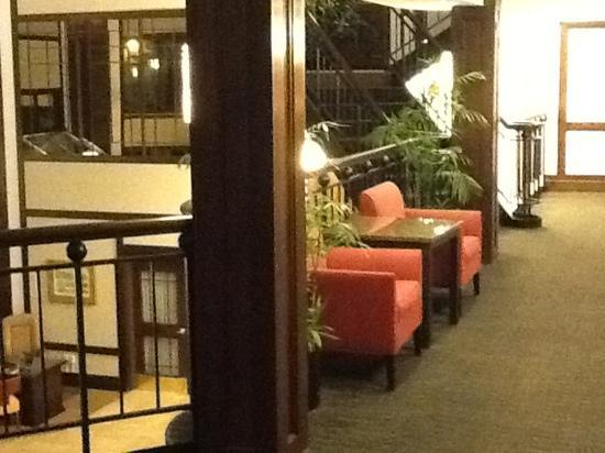 Inn at Saint Mary's Hotel & Suites: Elevator area on second floor.