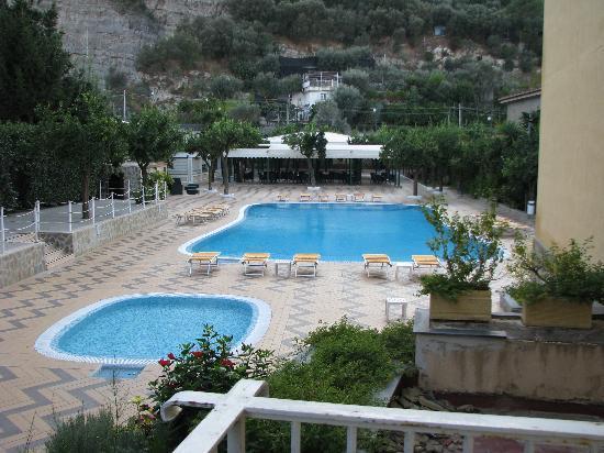 Grand Hotel Parco Del Sole: Piscine du Grand Parco Del Sol.
