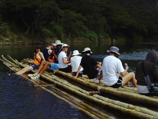 Adventures in Paradise Fiji : Crossing the river with the Bilibili-Cave Tour