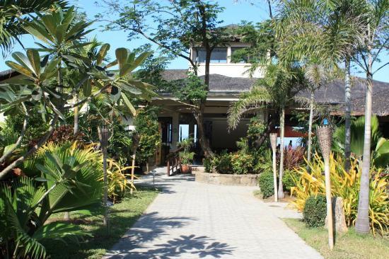 Kahuna Beach Resort and Spa: entrance