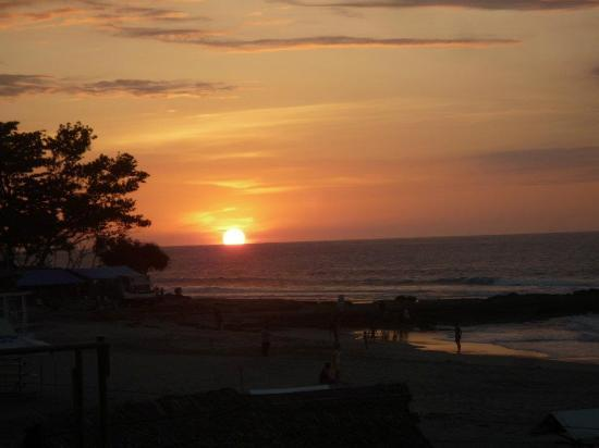 Kahuna Beach Resort and Spa: sunset