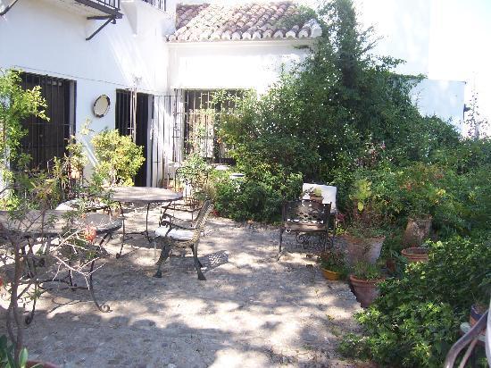 Hotel Jardin de la Muralla: Patio
