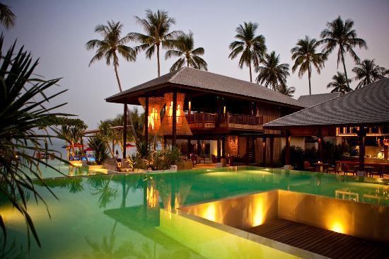 Anantara Rasananda Koh Phangan Villas: Resort at night