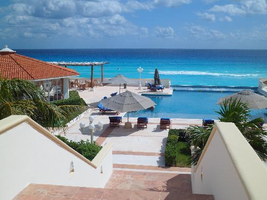 Hotel Casa Turquesa: View from Lobby