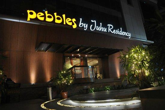 Pebbles : Entrance