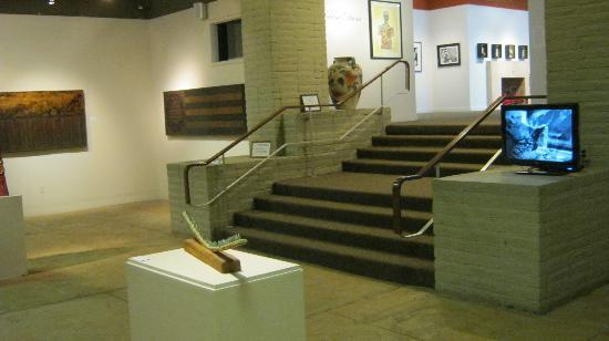 Arte Americas: Another gallery picture