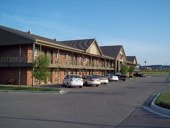 Liberty Lodge: View of the front of the hotel.