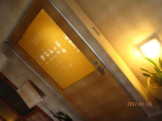 Resort Hotel Moana Coast: プライベートテラスがわ入口
