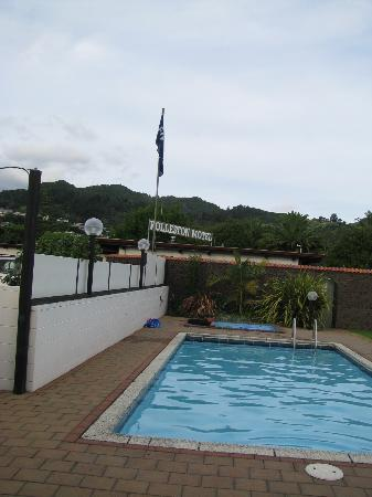 Rolleston Motel: Pool area
