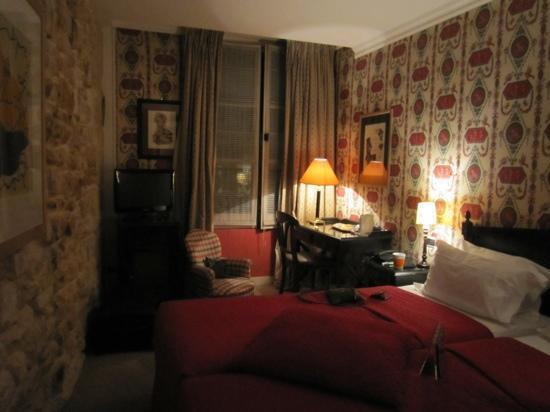 وتيل برينس دي كونديه: Bedroom
