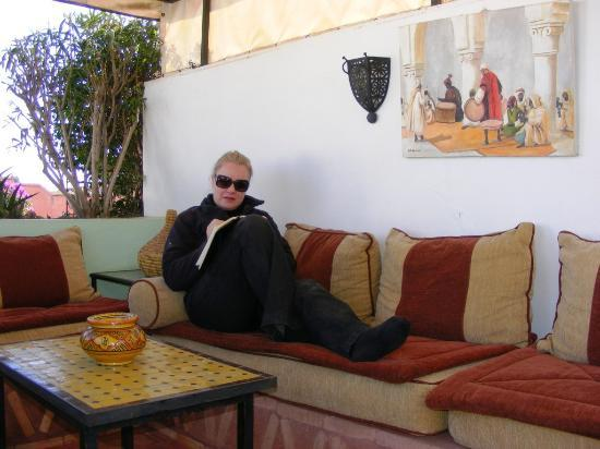 Riad Villa Harmonie: Relaxing on the terrace