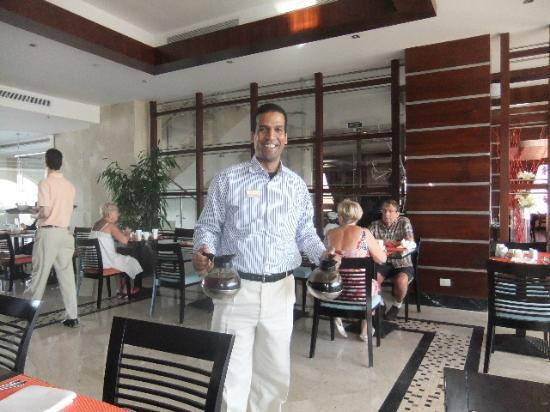 Xperience Sea Breeze Resort: restaurant manager makes everything run super smooth