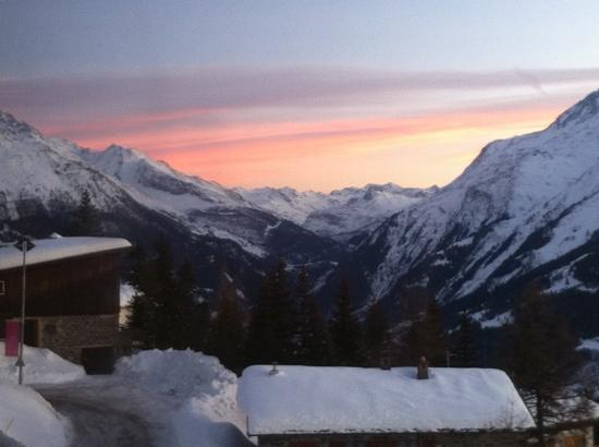 Chalet Jeode: sunset view from the dining room