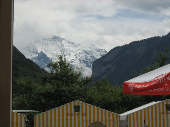Balmer's Hostel: The view from the tents