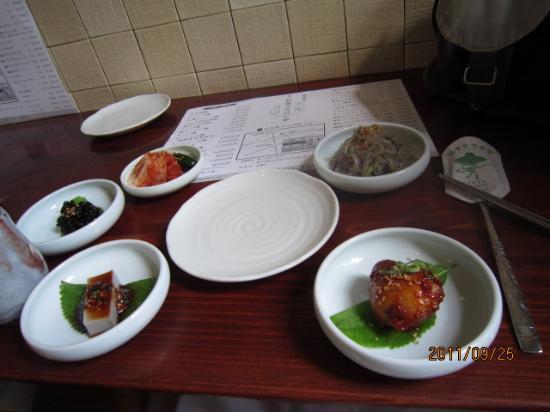 Ashiya Koriantei: ビビンバ膳の一品料理