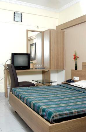 Abhishek Hotel : ROOM