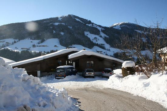 Haus Schmetterling: great snow in Alpbah
