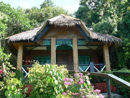Bituon Beach Resort : Bituon -Bambushütte