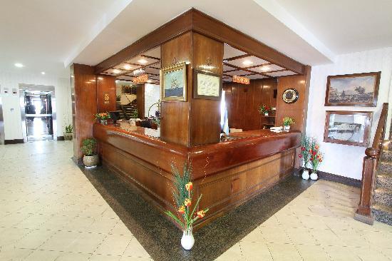 Hotel Antartida: recep.