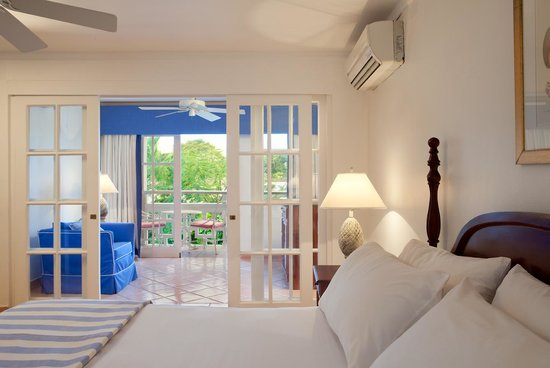 Couples Sans Souci: Luxurious Oceanview Rooms