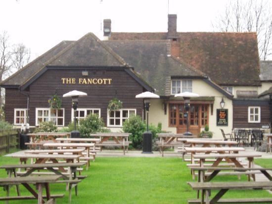 The Fancott Beer garden