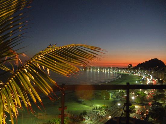 PortoBay Rio Internacional Hotel: Amazing sunset at the top !!