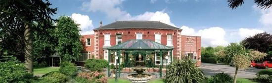 BEST WESTERN Parkmore Hotel: Front of the Hotel
