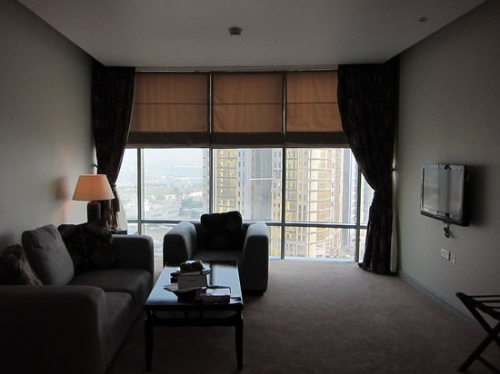 Plaza Inn Doha: Living room Pearl Suite