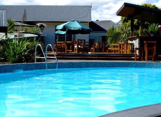 Wairakei Resort Taupo: Thermally heated outdorr pool