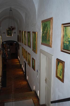 Hotel Monastery: Entryway to Reception desk.