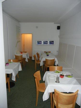 Max Hotel Garni: Breakfast Area