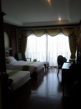 Borei Angkor Resort & Spa: 2 bets room