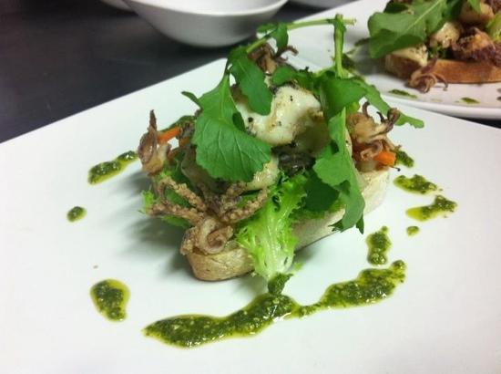 Riverside Grill: grilled calamari