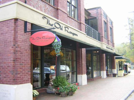 Old Edwards Inn and Spa: Downtown Highlands