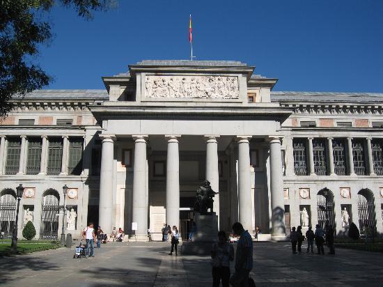 Madrid, Spanien: museo del prado, entrada principal