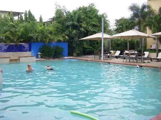 Central Plaza Port Douglas: the pool