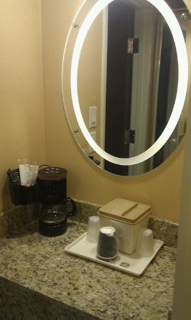 Blue Cypress Hotel : hotel2