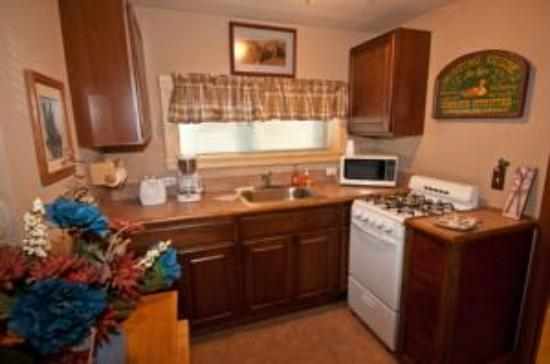 San Juan Motel: Cabin Kitchen