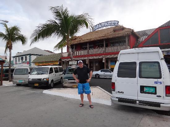 Sharkeez Tiki Bar : Sharkeez Fun in the Sun