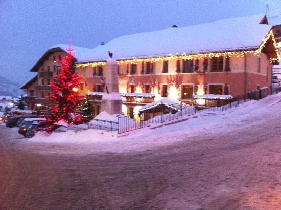 """Residence Les Chalets du Gypse : """"La Mairie"""" in the town square"""