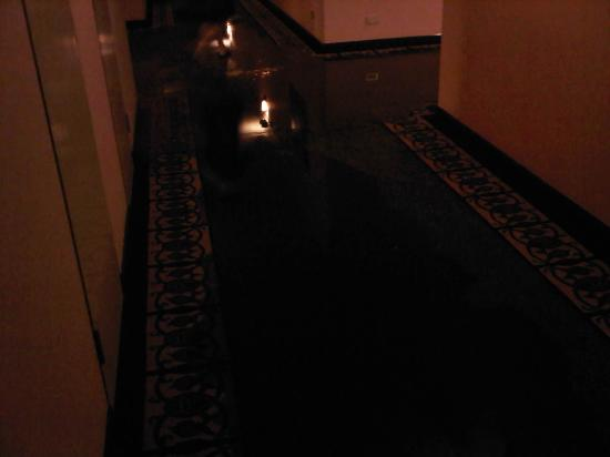 Hansa JB Hotel: Innondation dans le couloir!