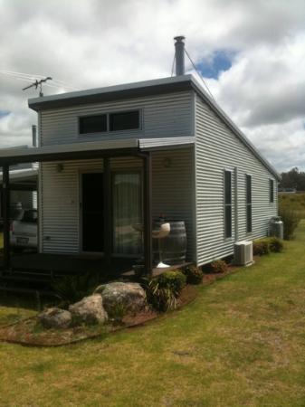 Ridgemill Estate: Cabins in the Vineyard: the cabin