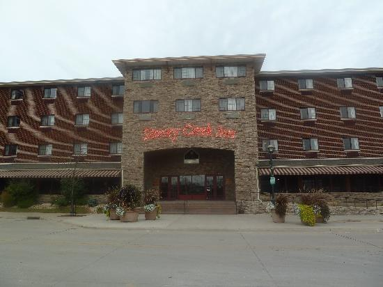Stoney Creek Hotel & Conference Center - Moline : hotel from the road