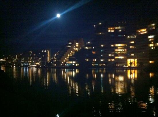 San Alfonso del Mar : noche de luna llena