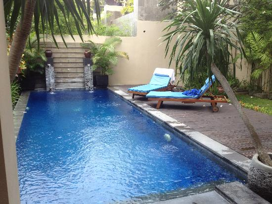 Alam Warna: Pool