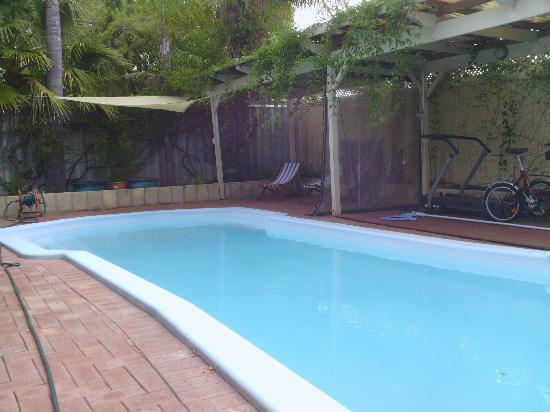 Astoria Retreat Bed and Breakfast: la piscina