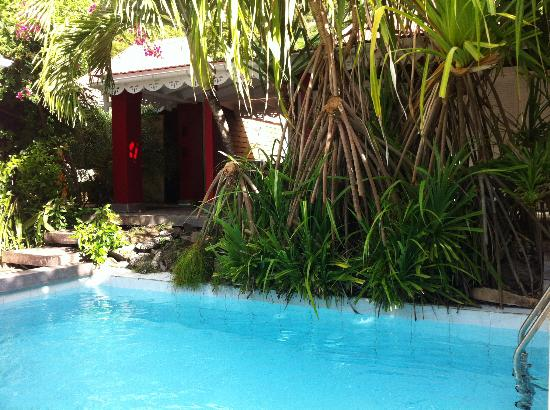 Salines Garden Cottages: Small pool