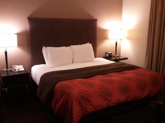 Hyatt House Seattle/Bellevue : Bed