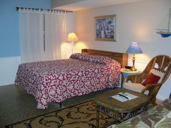 Seafarer Beach Resort: One of our Studio Efficiencies with queen-size bed!
